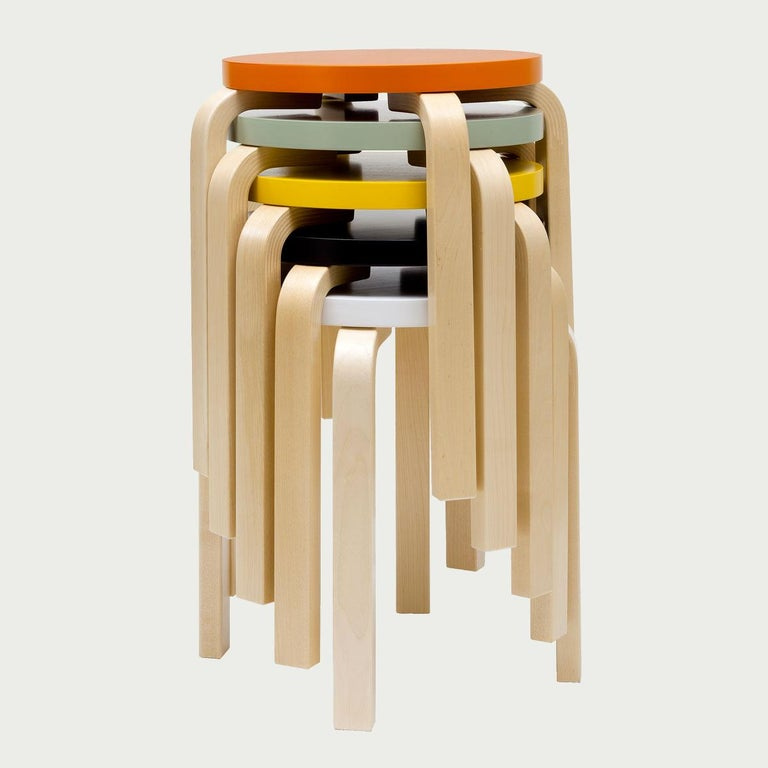 Authentic Stool E60 in Lacquered Birch with Linoleum Seat by Alvar Aalto & Artek For Sale 2