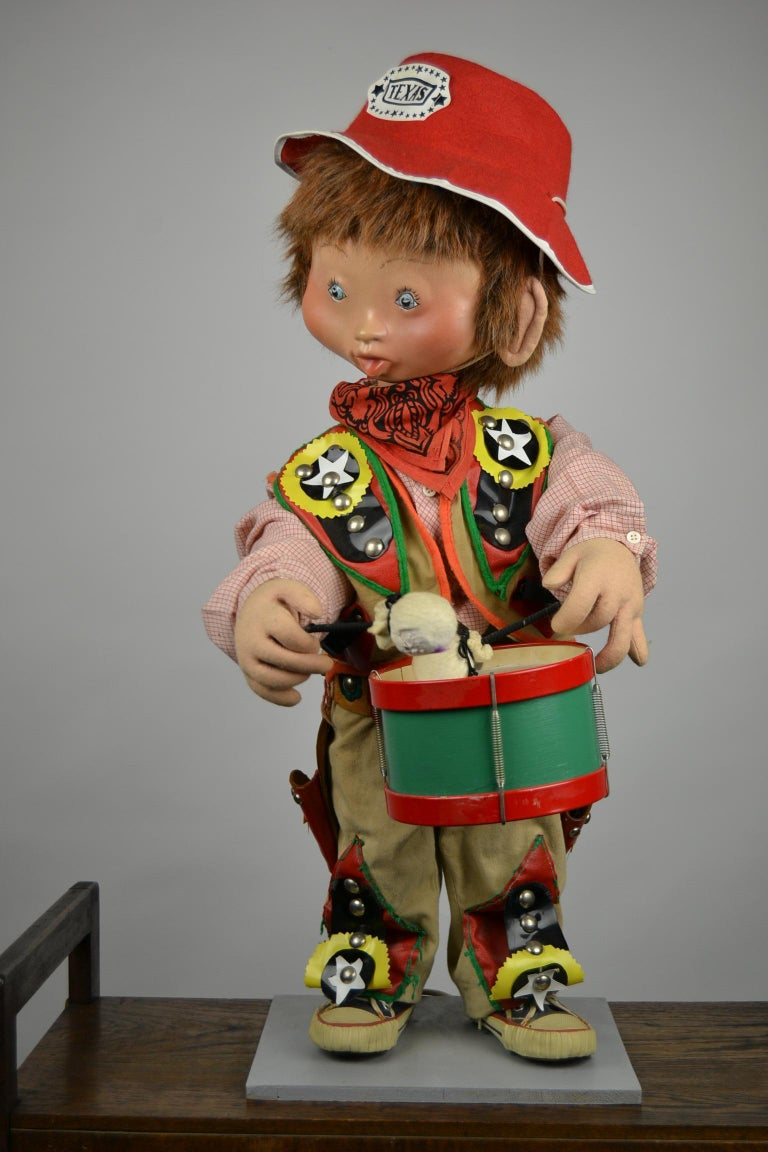 Automaton Texas Cowboy Doll Playing Drum, 1960s In Good Condition For Sale In Antwerp, BE