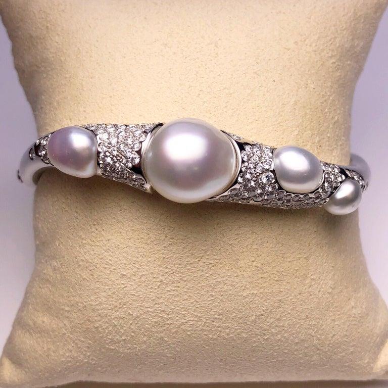 Autore Baroque Pearl and 2.02 Carat Diamond Bangle Bracelet For Sale 1