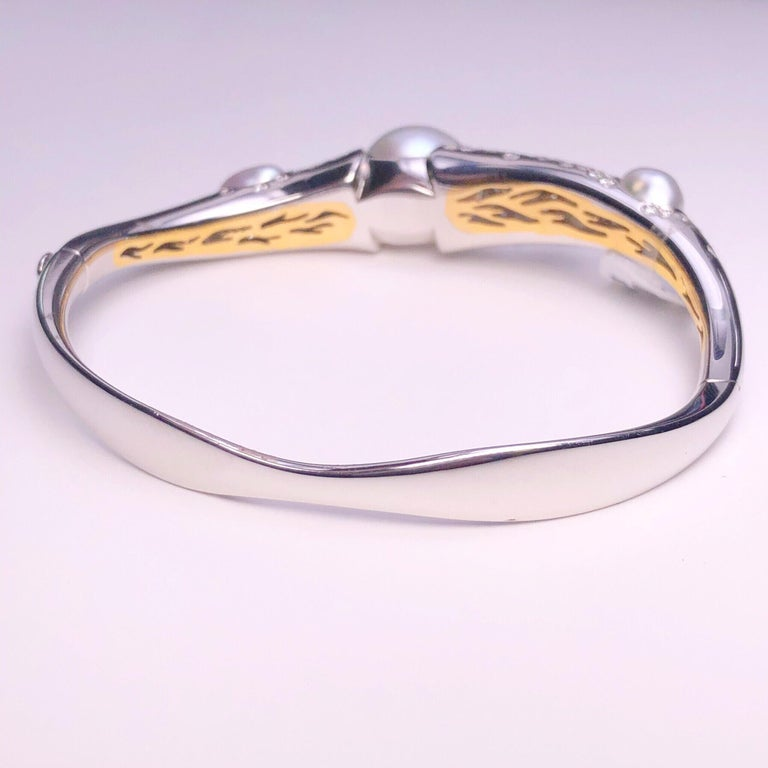 Autore Baroque Pearl and 2.02 Carat Diamond Bangle Bracelet For Sale 2