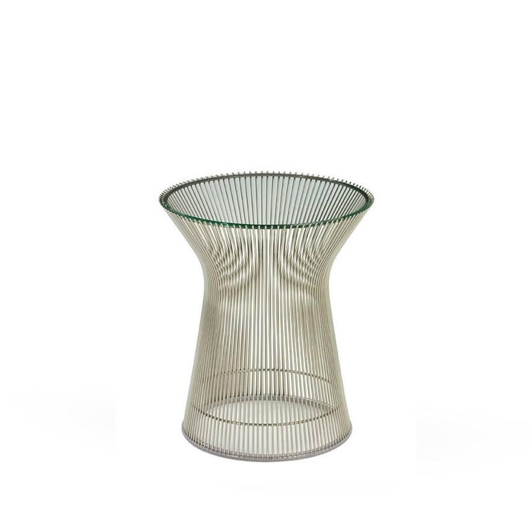 Side table designed by Warren Platner for Knoll, presented in 1966. Heavy glass lid with sloping sides to fit perfectly on the table. Nickel-plated steel rods welded to the circular frame.