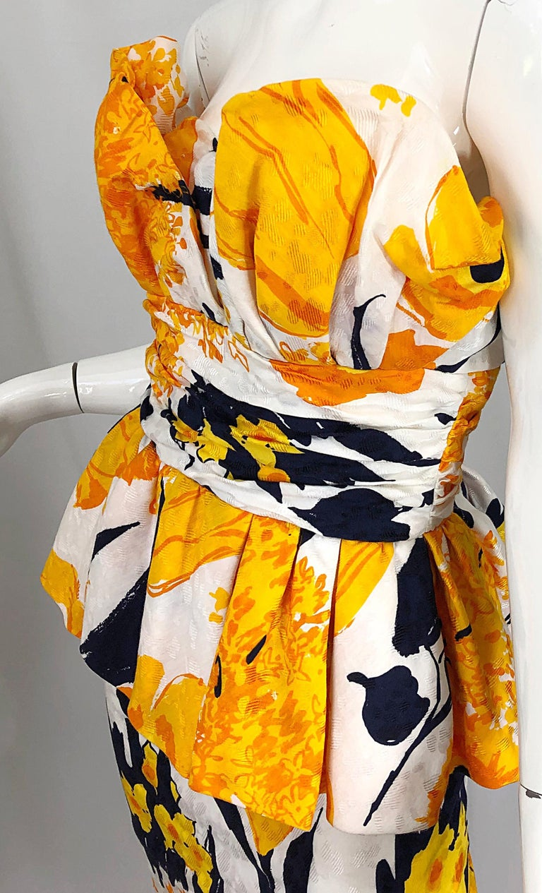 Avant Garde 1980s Amen Wardy Abstract Flower Print Vintage 80s Strapless Dress For Sale 5