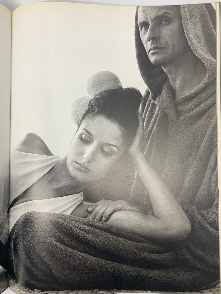 Avedon, Photographs, 1947-1977 First Edition Hard Cover In Good Condition For Sale In New York, NY