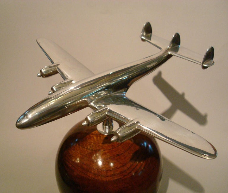 Mid-Century Modern Aviation Lockheed Super Constellation Vintage Desk Airplane Model, circa 1950s For Sale