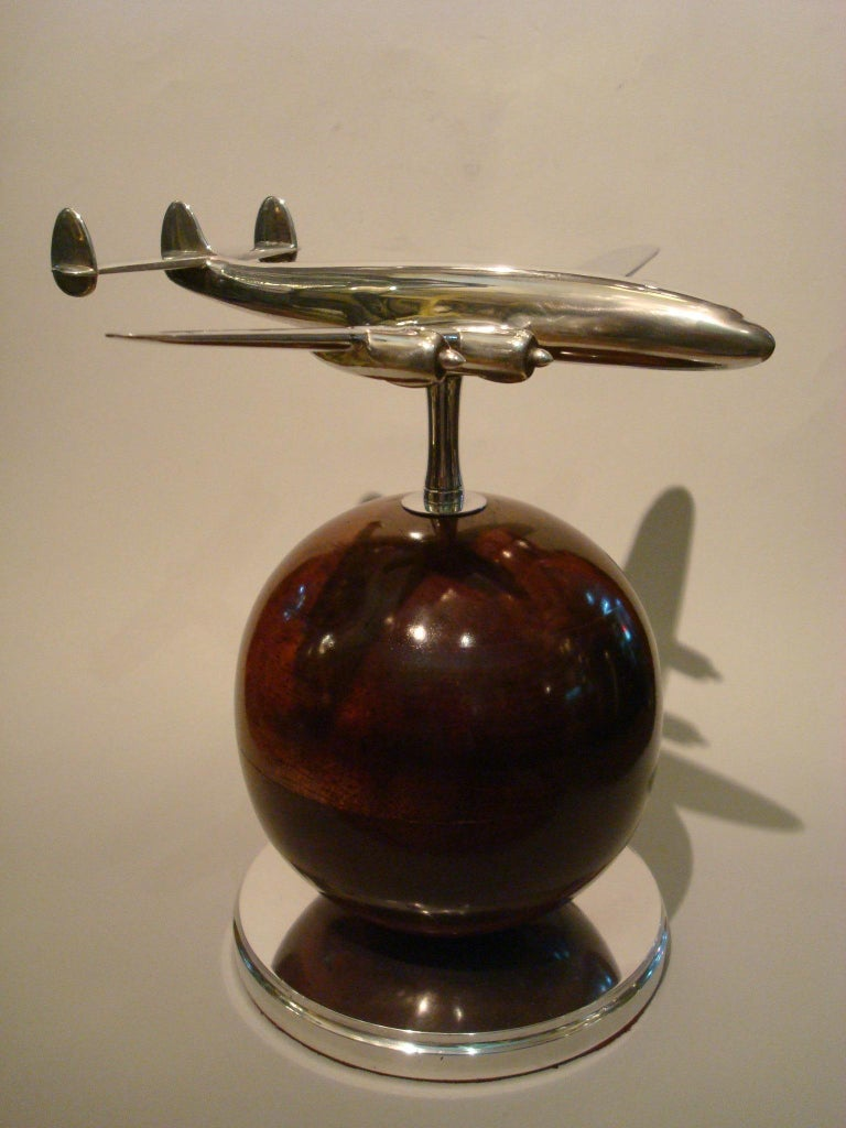 Aviation Lockheed Super Constellation Vintage Desk Airplane Model, circa 1950s In Good Condition For Sale In Buenos Aires, Olivos