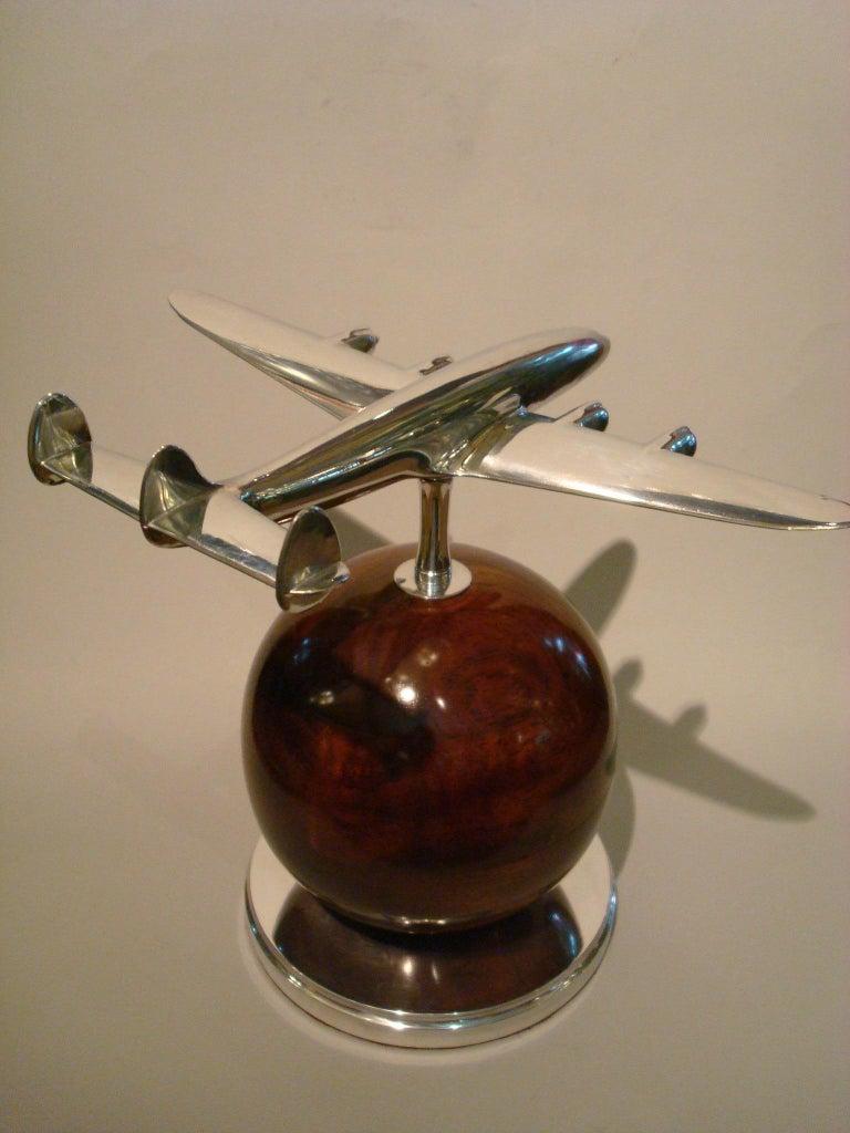 Aviation Lockheed Super Constellation Vintage Desk Airplane Model, circa 1950s For Sale 1