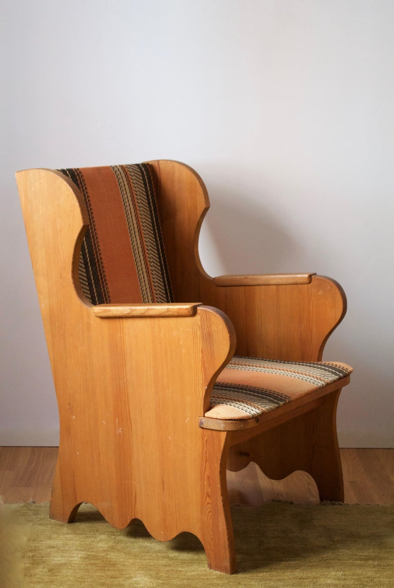A lounge chair model
