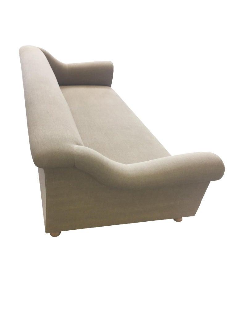 Axel Vervoordt Custom Sofa in Belgian Linen In Good Condition In New York, NY