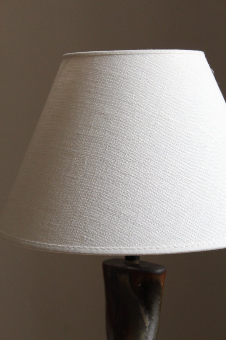 Axella, Organic Table Lamp, Glazed and Painted Stoneware, Linen, Denmark, 1960s In Good Condition For Sale In West Palm Beach, FL