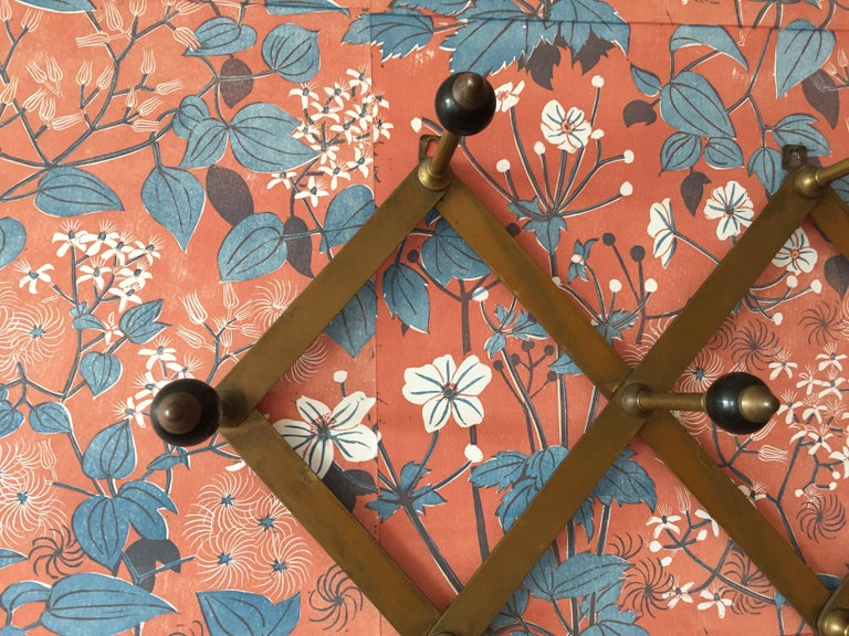 Azucena Coat Hanger in Polished Brass and Bakelit by Luigi Dominioni, Italy In Good Condition In Copenhagen K, DK