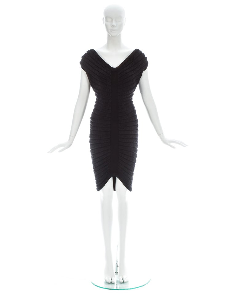 Azzedine Alaia black chenille-knitted 'Houpette' dress, ca. 1994  In Good Condition For Sale In Chester, Chester