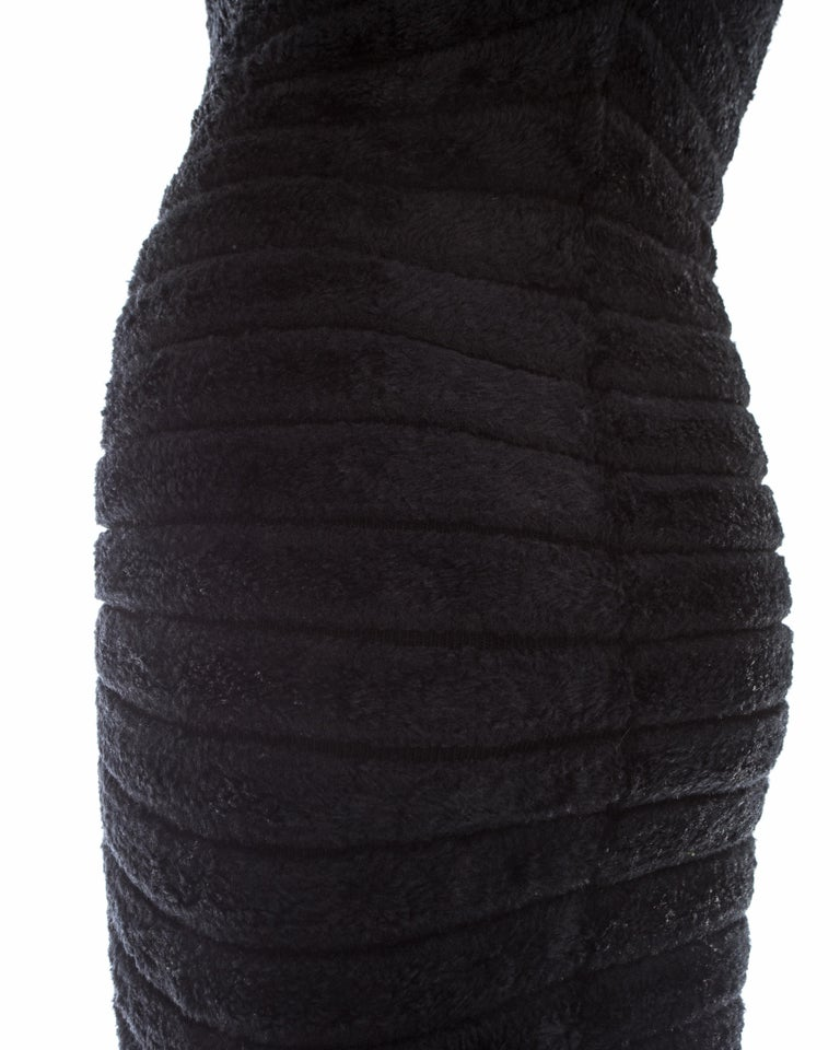 Azzedine Alaia black chenille-knitted 'Houpette' dress, ca. 1994  For Sale 3