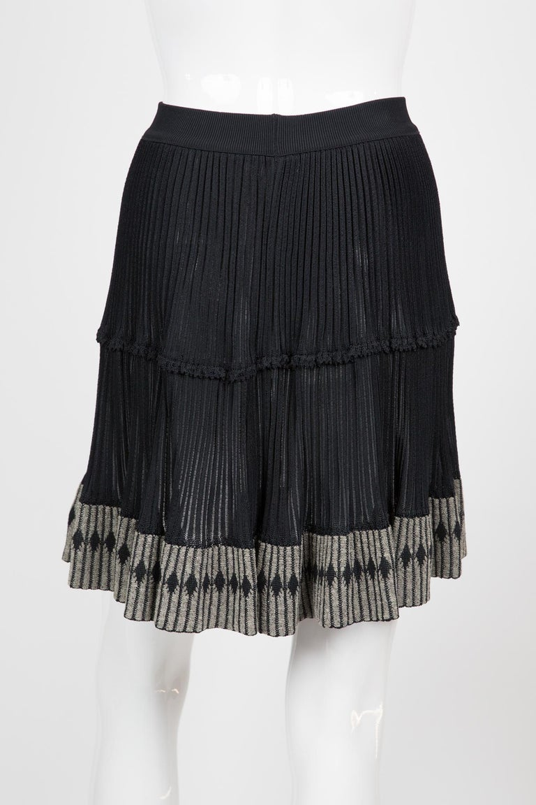 Azzedine Alaia Black Pleated Skate Skirt In Excellent Condition For Sale In Paris, FR