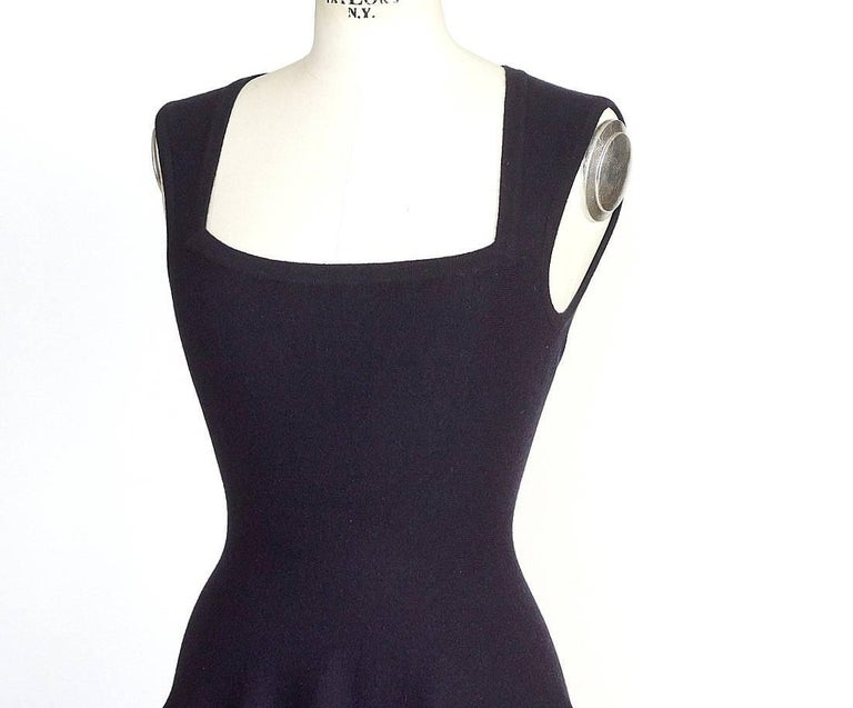 Azzedine Alaia Dress Navy Skater Skirt Laser Cut Hem 38 / 4  nwt Gorgeous For Sale 1
