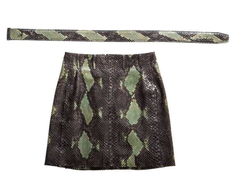 Azzedine Alaia green snakeskin lace-up mini skirt with matching belt, ss 1991 For Sale 1
