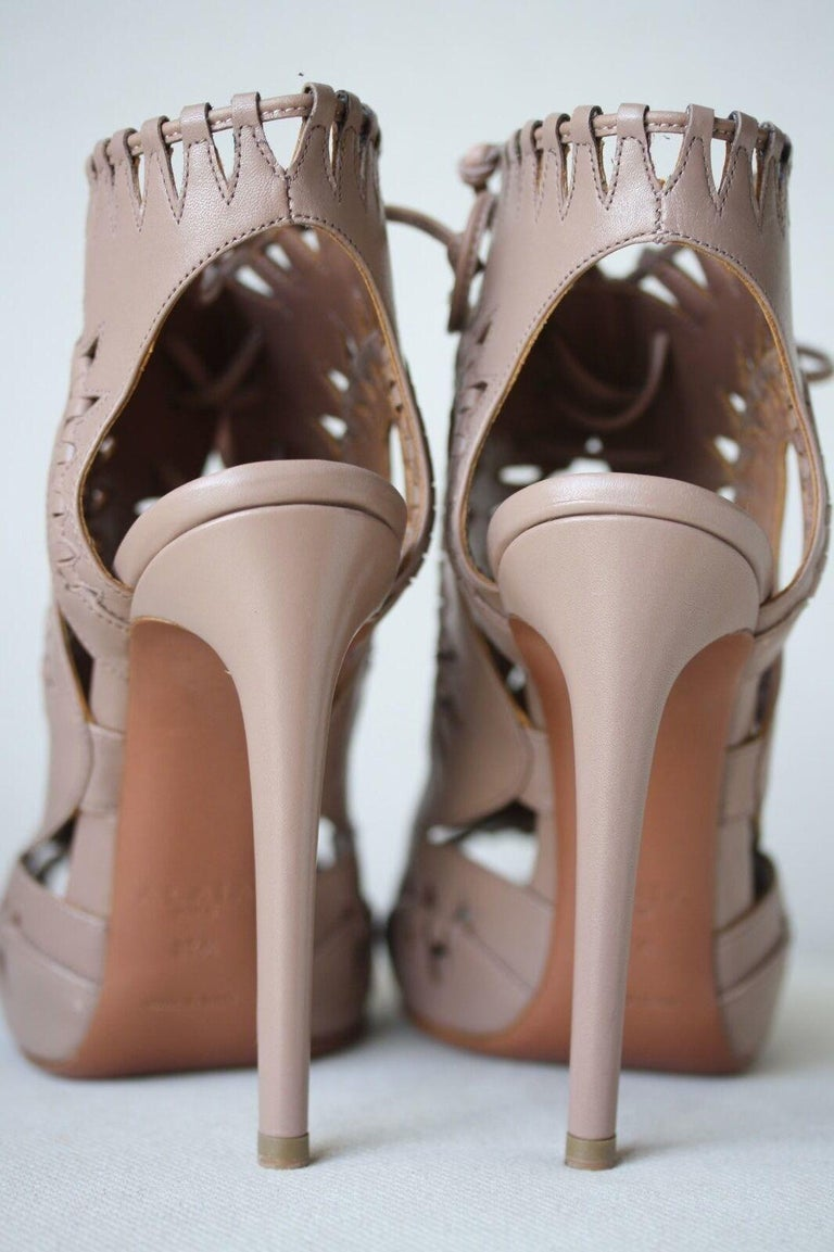 Azzedine Alaïa Lace-Up Leather Sandals  In New Condition For Sale In London, GB