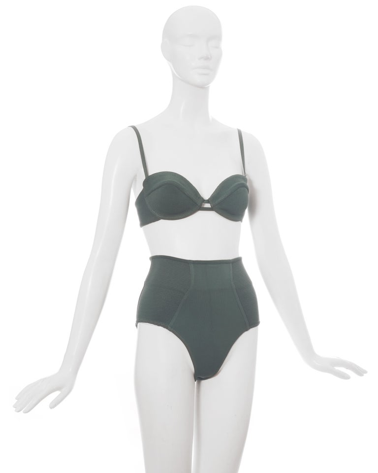 Azzedine Alaia mint green spandex bra and shorts, ss 1990 In Good Condition For Sale In London, GB
