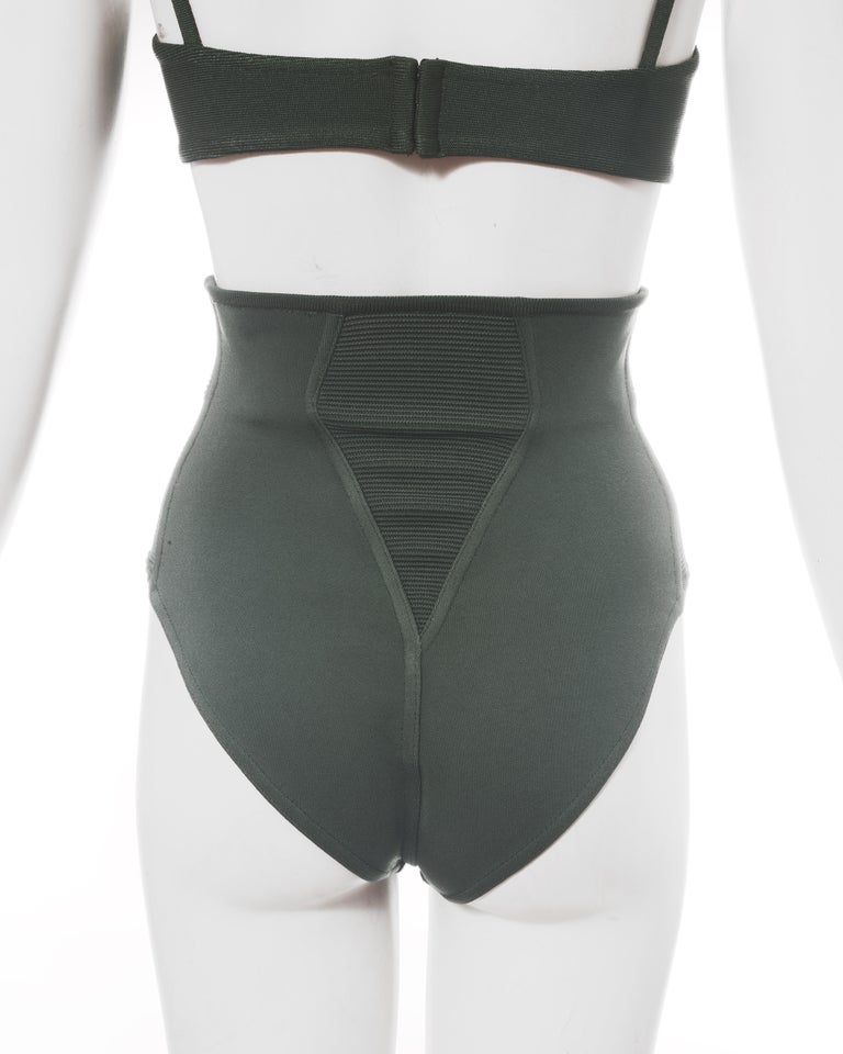 Azzedine Alaia mint green spandex bra and shorts, ss 1990 For Sale 1
