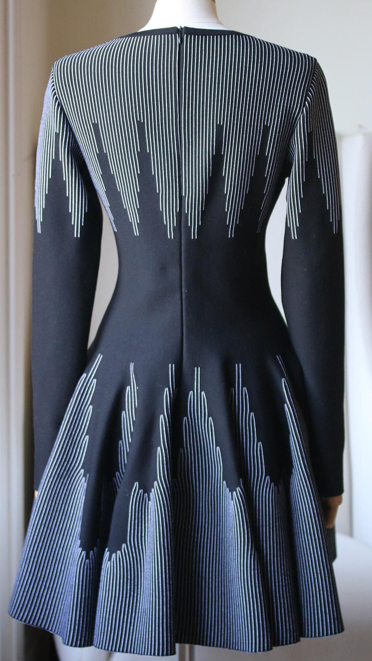 Azzedine Alaïa Stretch-Knit Wool Flare Mini Dress In Excellent Condition For Sale In London, GB