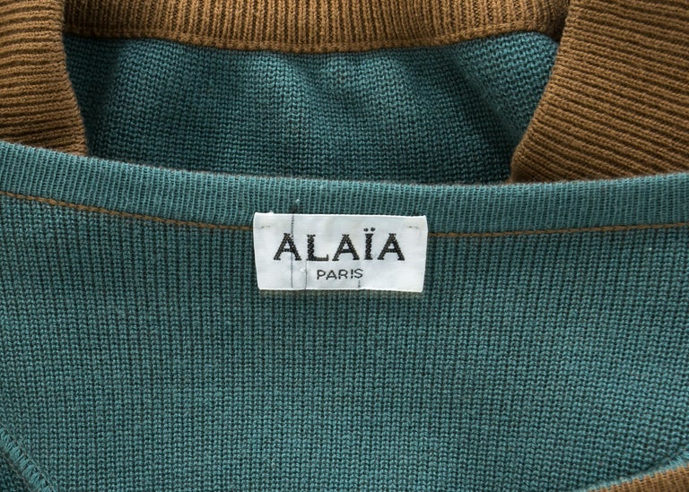 Azzedine Alaia tan knitted cropped off-the-shoulder sweater, c. 1980s For Sale 1