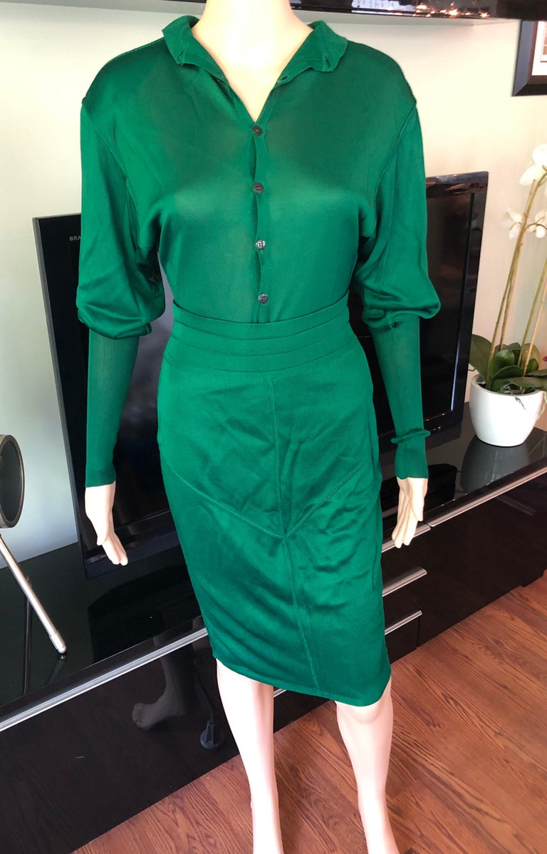 Azzedine Alaia Vintage Green Knit Skirt and Bodysuit Top 2 Piece Set In Good Condition For Sale In Totowa, NJ