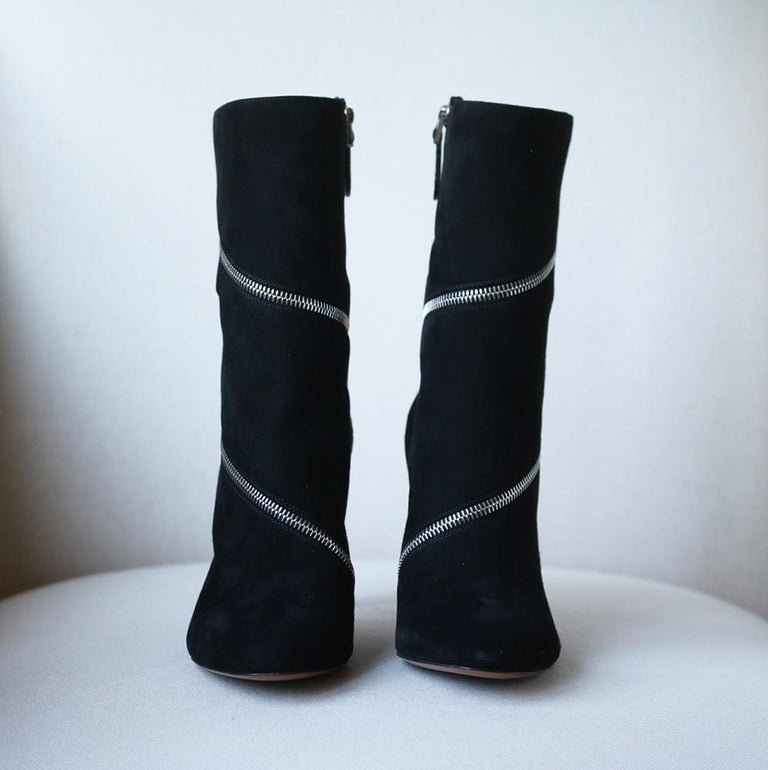Azzedine Alaïa Zipped Suede Ankle Boots  In New Condition For Sale In London, GB