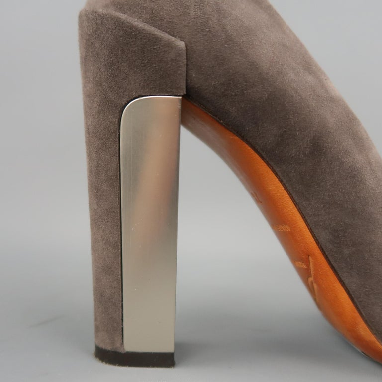 B by BRIAN ATWOOD Size 7.5 Taupe Suede Metal Chunky Heel Pumps In Excellent Condition For Sale In San Francisco, CA