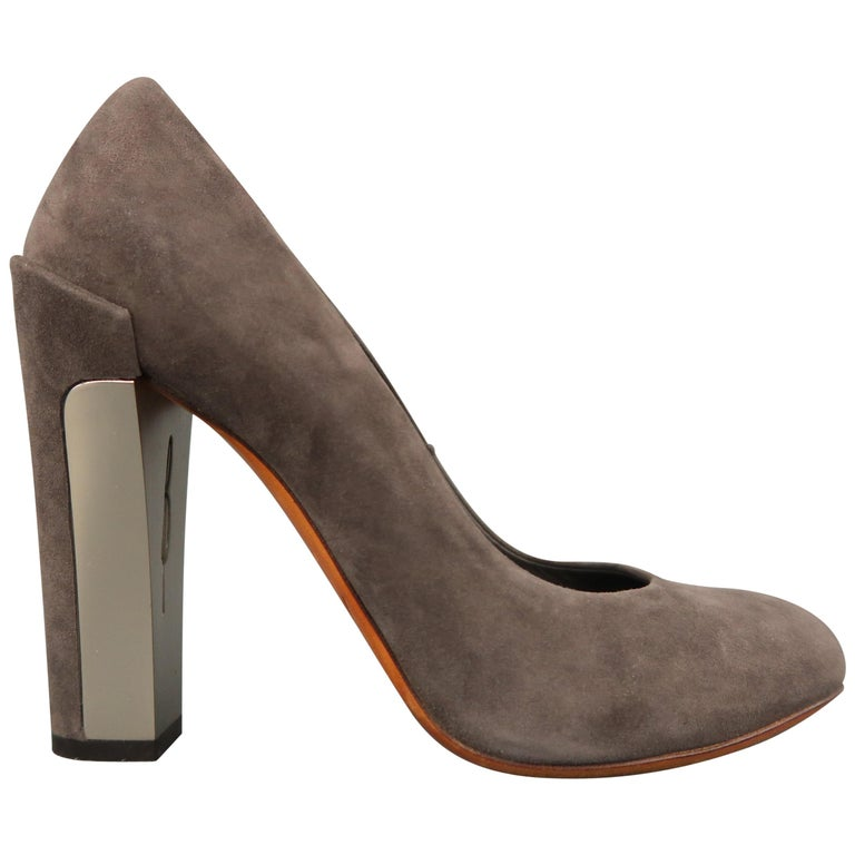 B by BRIAN ATWOOD Size 7.5 Taupe Suede Metal Chunky Heel Pumps For Sale