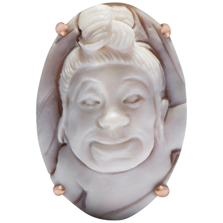 Baby Hand-Carved Cameo Ring in Sardonyx Shell & 18-Karat Gold by Cindy Sherman  For Sale