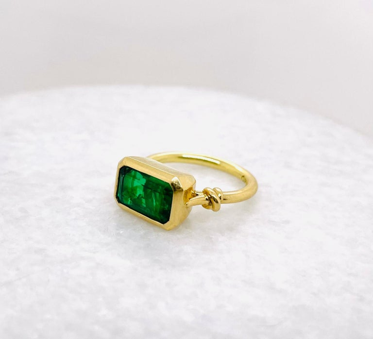 Artist 2.40ct Emerald 'Forget Me Knot' Ring in 18ct Yellow Gold For Sale