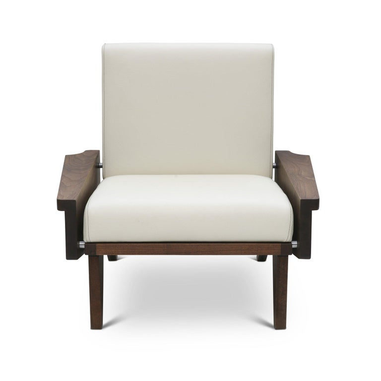 Babylon Midcentury Inspired Walnut Lounge Chair In New Condition For Sale In Deer Park, NY