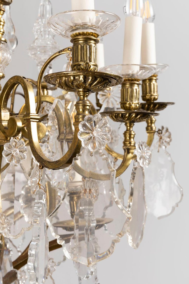 Baccarat, Large Louis XV Style Chandelier in Gilt Brass and Crystal, circa 1950 In Good Condition For Sale In Saint-Ouen, FR