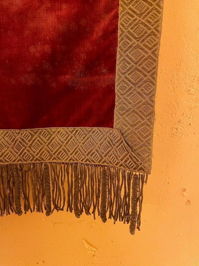 Baroque Back of Altar-Italy-19 ° Century-Red Silk Velvet For Sale