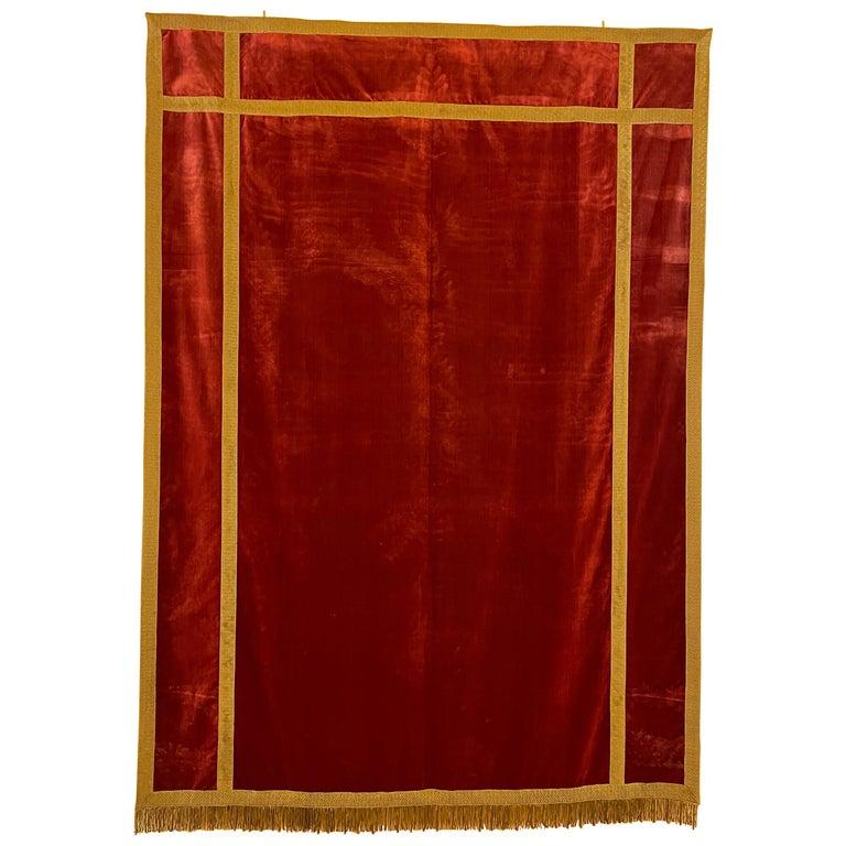 Back of Altar-Italy-19 ° Century-Red Silk Velvet For Sale