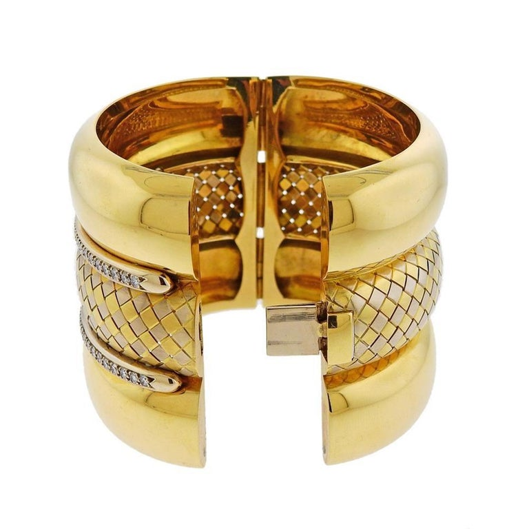 Badler Italy Gold Diamond Massive Bangle Bracelet In Excellent Condition For Sale In New York, NY