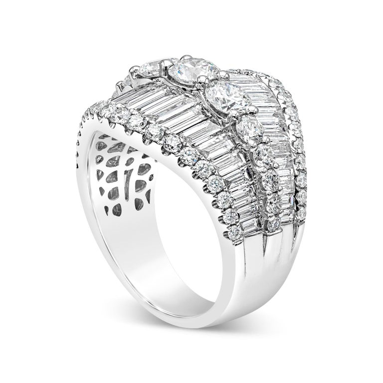 Contemporary Baguette and Round Diamond Fashion Ring For Sale