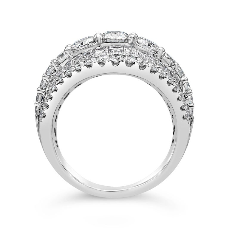 Baguette Cut Baguette and Round Diamond Fashion Ring For Sale