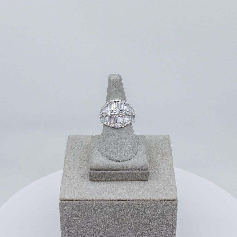Baguette and Round Diamond Fashion Ring For Sale 1