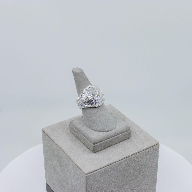 Baguette and Round Diamond Fashion Ring For Sale 2