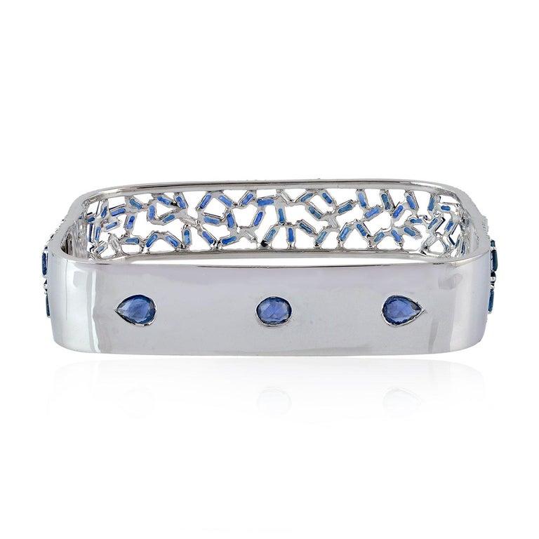 Modern Baguette Diamond 18 Karat Gold Bangle Bracelet  For Sale