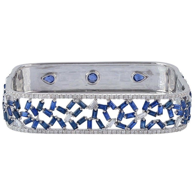 Baguette Diamond 18 Karat Gold Bangle Bracelet  For Sale