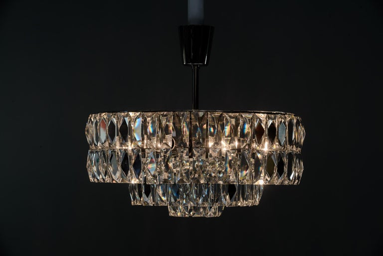 Bakalowits Crystal Chandelier, circa 1960s In Good Condition For Sale In Wien, AT