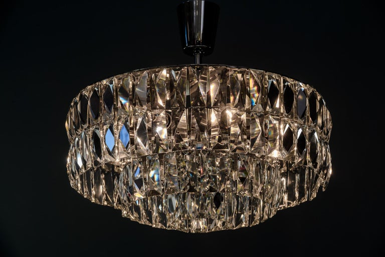Bakalowits Crystal Chandelier, circa 1960s For Sale 1