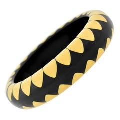 "Bakelite Black and Creamed Corn ""Gumdrop Motif"" Bangle Bracelet"