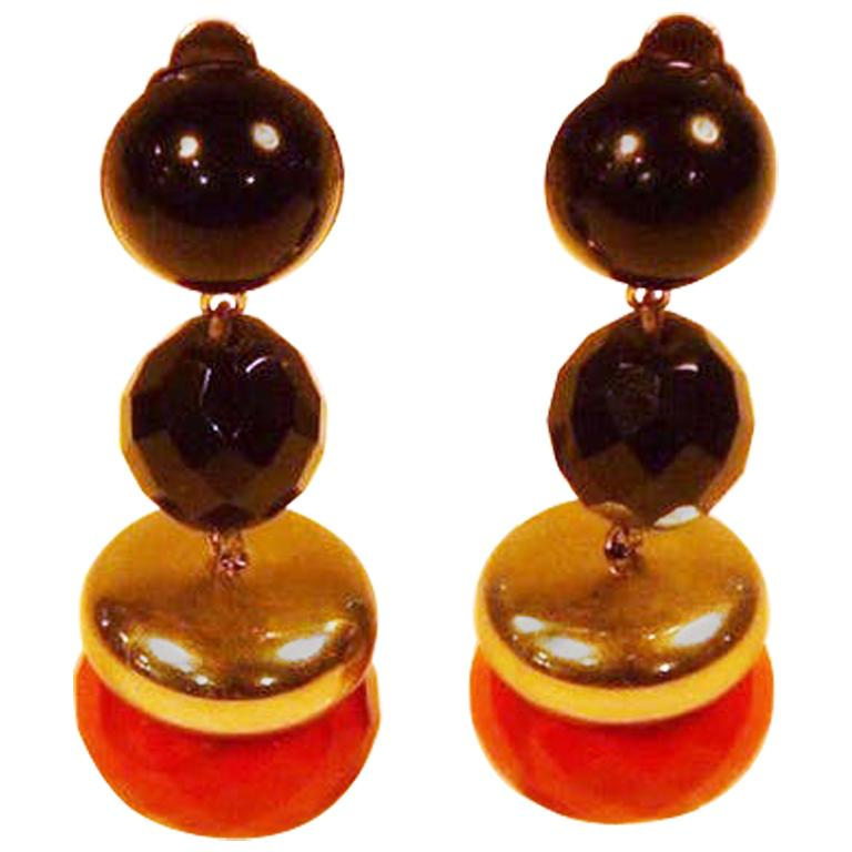 Bakelite earrings from the 1920/30s For Sale