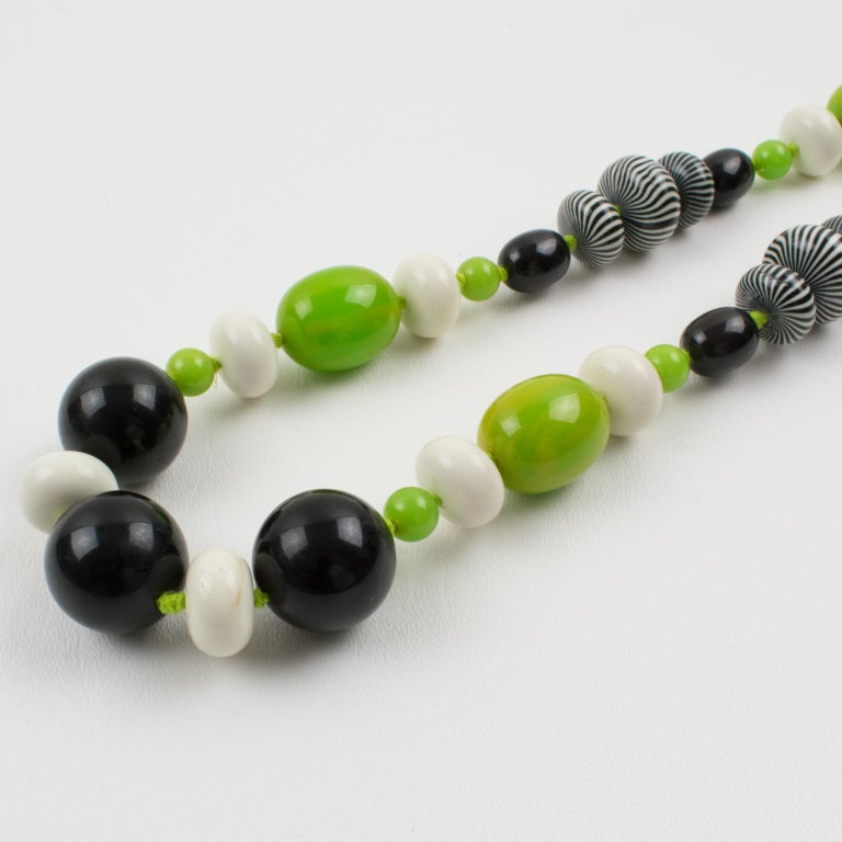 Bakelite & Lucite Necklace Extra Long Shape Black-White & Apple Green Beads For Sale 6