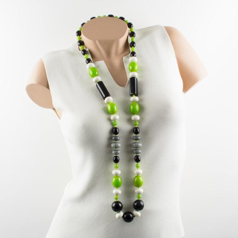 Women's or Men's Bakelite & Lucite Necklace Extra Long Shape Black-White & Apple Green Beads For Sale