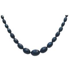 Bakelite necklace with faccette cut