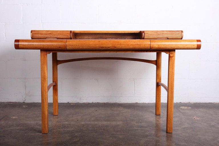 Baker Desk in Oak and Walnut In Good Condition For Sale In Dallas, TX