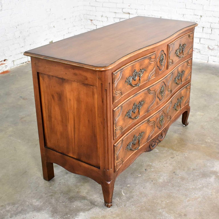 Baker Furniture French Provincial Country Style Bachelor's Chest of Drawers For Sale 4